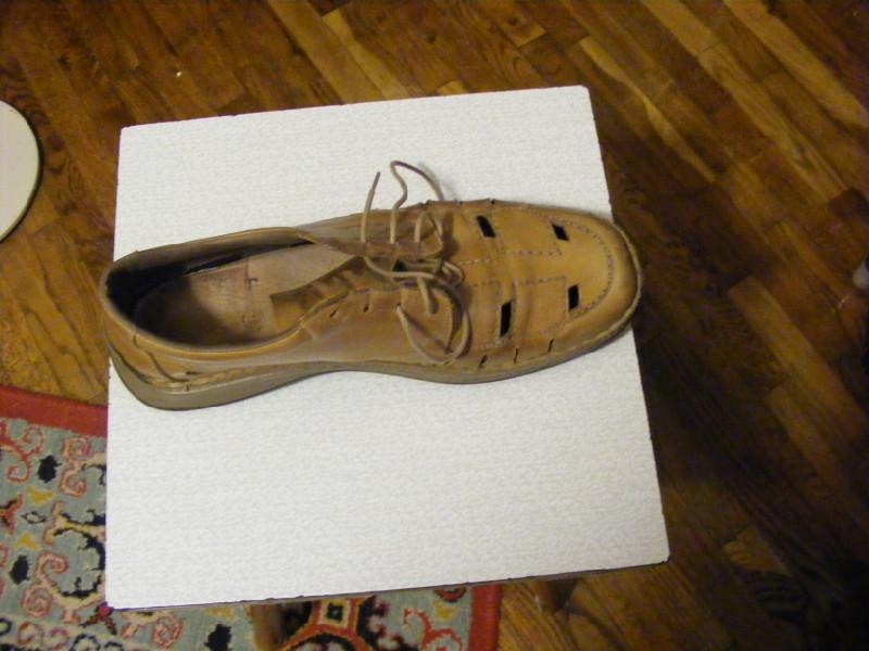 Чем покрасить обувь из кожи в домашних  362