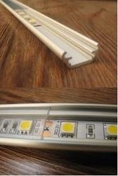 Недорогой профиль для светодиодных лент.