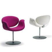 Удобное мягкое кресло Савой в белом кожзаме,  уценен