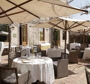 Столы и стулья для кафе,  баров и ресторанов.