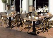 Плетеная мебель для кафе