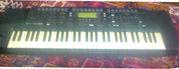 Продам синтезатор Roland E-68
