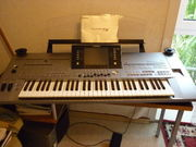 Yamaha Tyros5 76-Key Arranger Keyboard
