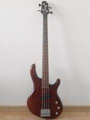 СРОЧНО продам бас-гитару CORT ACTION WS