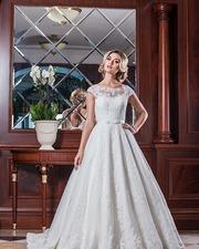 Продам дизайнерское свадебное платье,  в отличном состоянии.