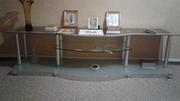 Продам стол - тумбу под стеклянную под большой телевизор. Очень красив