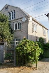 Продам дом в Подгородном 2-й Широкий пер.,  начало Комсомольской.