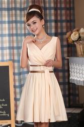 Элегантное платье цвета шампанского на невысокую девочку