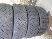 Продаются  спортивные шины сухой слик  Michelin