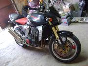 Продам мотоцикл KAWASAKI Z1000